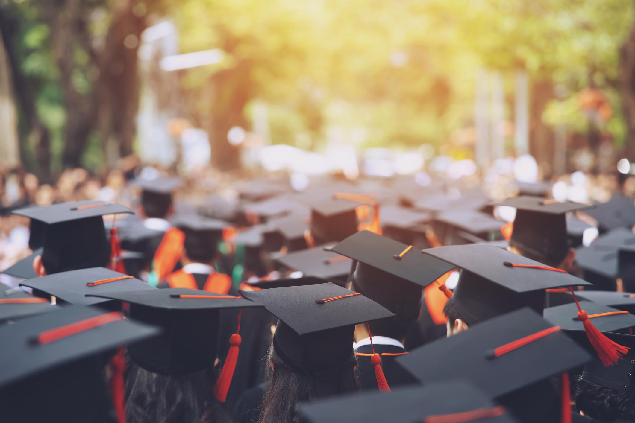 Fundación de la Cámara de Comercio hispana anuncia becas para estudiantes latinx