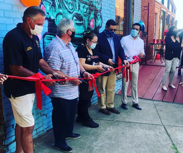 Chicken Latino Celebrates Beechview Relocation with Ribbon-cutting Ceremony