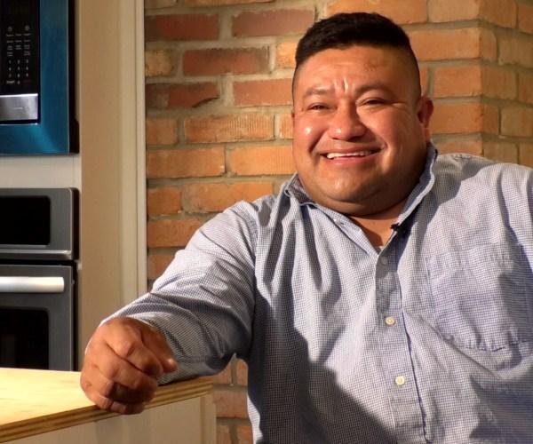 Historias de inmigrantes latinos en Pittsburgh dan voz al valor y la esperanza