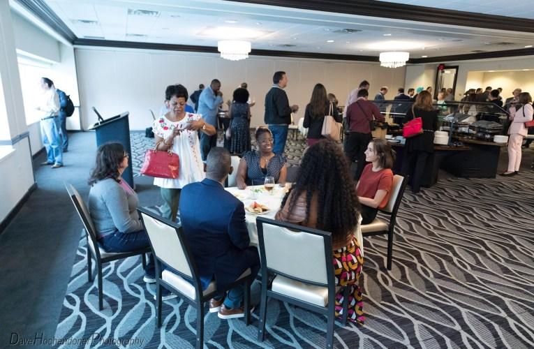 La comunidad empresarial latina de Pittsburgh se reúne de nuevo mientras se relajan las restricciones por COVID