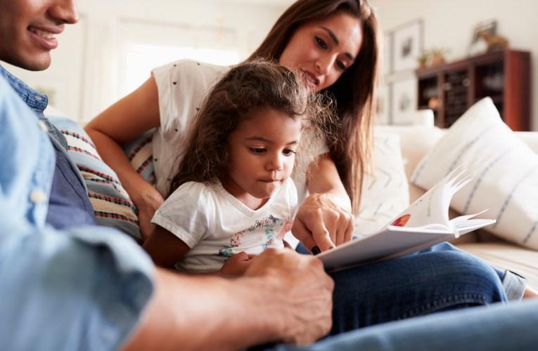 Estudio remoto pagado disponible para familias latinas